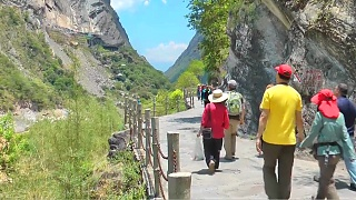 A day at Tiger Leaping Gorge 虎跳峡