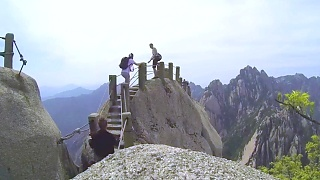 Video : China : Exploring HuangShan mountain (黄山), AnHui province ...