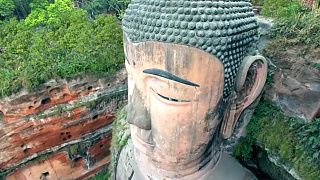 The temples and natural landscape around Mount EMei  峨嵋山 and LeShan Giant Buddha 乐山大佛
