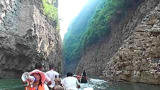 A sanpan ride along the ShenNong Stream 神农流 - a YangTse River tributary