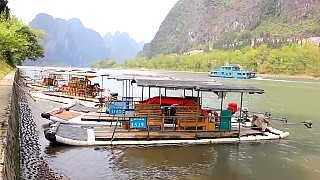 Video : China : Hiking along the beautiful Li River 漓江 (YangDi to XingPing) - video