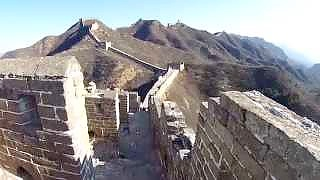 A winter trip to the Great Wall 长城 of China. JinShanLing to SiMaTai, north east of Beijing city.    The last film shows various sections of the Great Wall as seen from a `toy` helicopter.    If you can, please support this site with a donation - thank you !