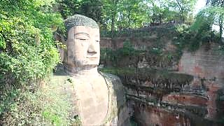 Video : China : The LeShan Giant Buddha 乐山大佛