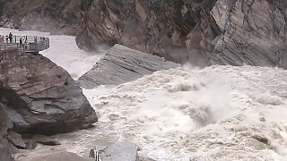 Video : China : Tiger Leaping Gorge 虎跳峡, YunNan province