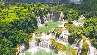 The beautiful DeTian waterfalls 德天瀑布 area, GuangXi province