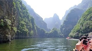 The beautiful LongQing Gorge 龙庆峡, Beijing