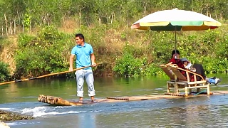 Video : China : Bamboo rafting on the YuLong River 玉龙江, near YangShuo