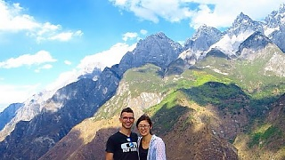 Video : China : Hiking Tiger Leaping Gorge-ous 虎跳峡, YunNan province