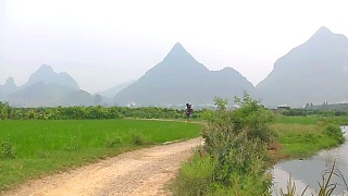 Rock climbing in YangShuo 阳朔