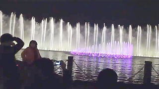 Video : China : Musical fountains, West Lake 西湖, HangZhou 杭州