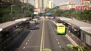 Video : China : Efficient public transport in GuangZhou 广州