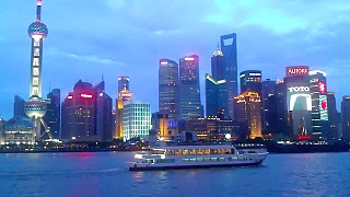 Video : China : Sailing along the HuangPu River 黄浦江, ShangHai 上海