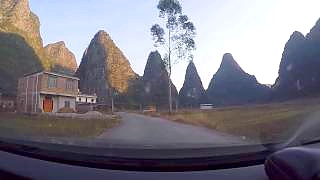Video : China : Beautiful GuiLin 桂林 countryside drive