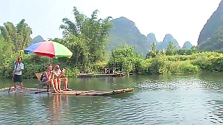 Cycling and bamboo rafting along the beautiful Li River 漓江